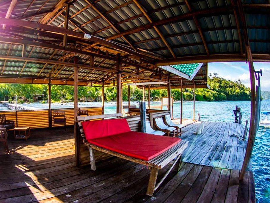 raja ampat resort jetty 3