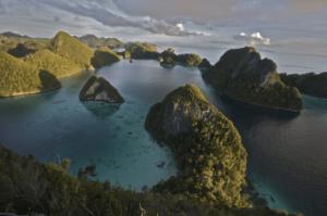 que ver en indonesia ampat