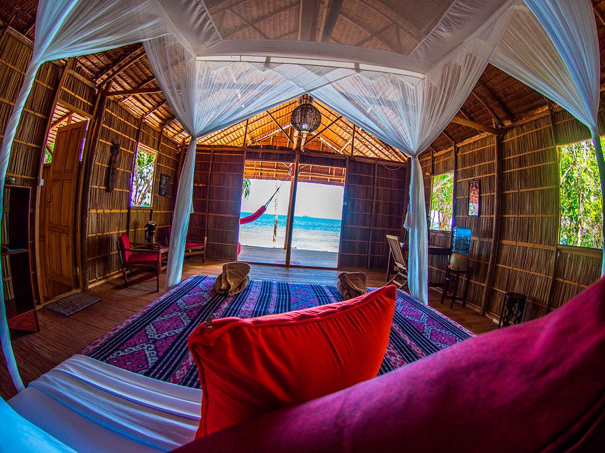 raja ampat resort room