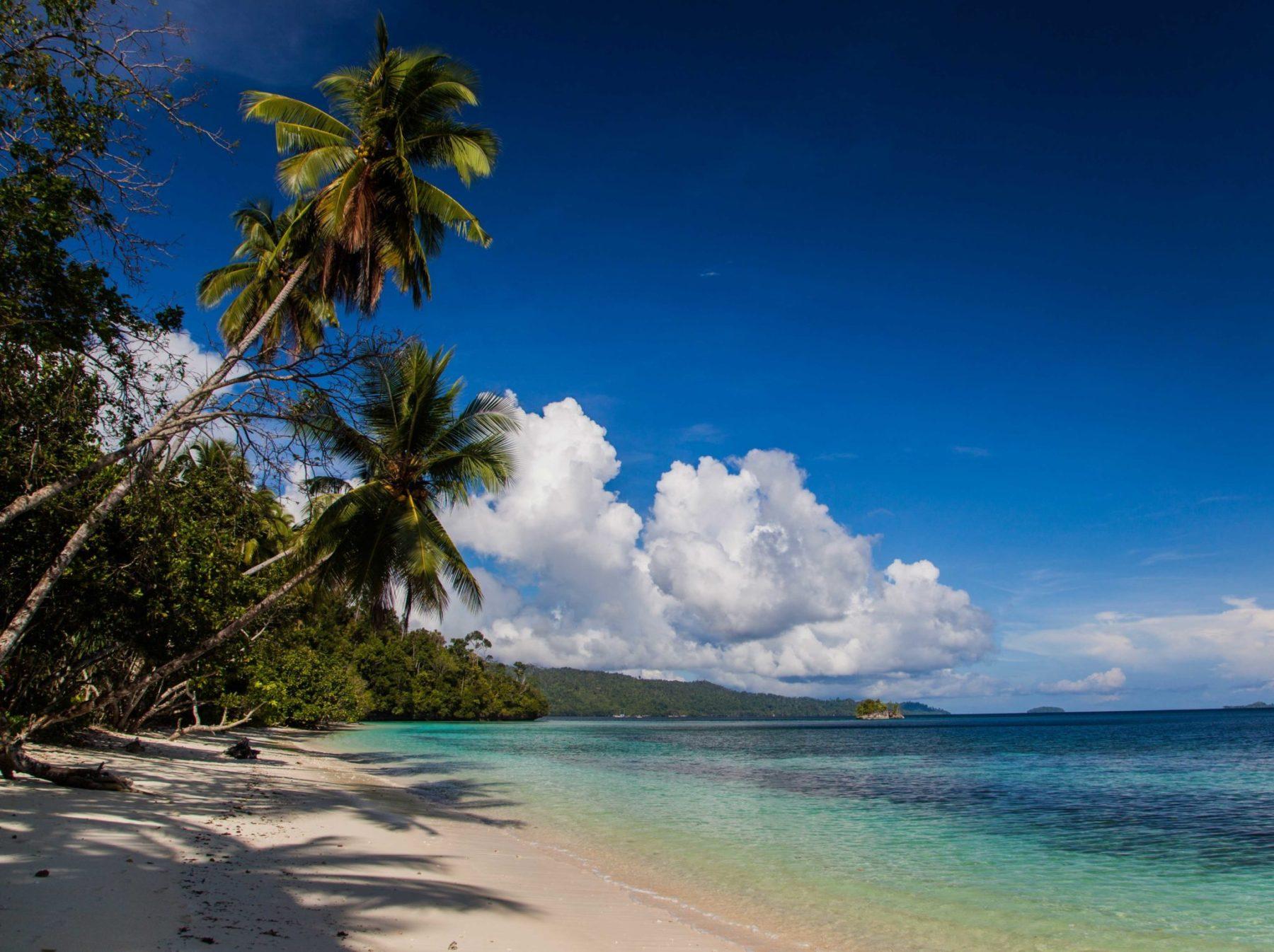playa raja ampat