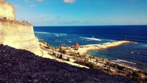 Qué ver en Indonesia - cliff