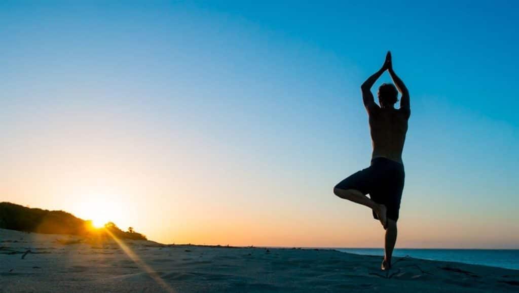 yoga-en-raja-ampat (2)